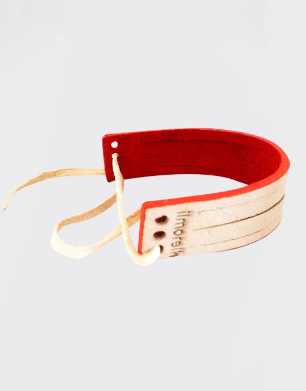 Bracciale piccolo con tre fori e laccetto bianco e rosso con bordo rosso