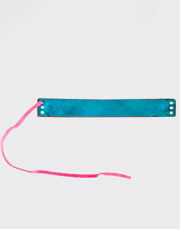 Bracciale piccolo con tre fori e laccetto rosa e azzurro con bordo rosso