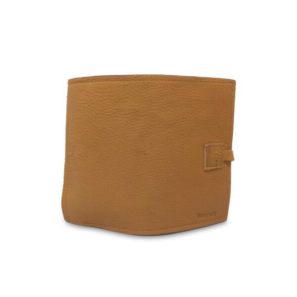 Porta IQOS classico in pelle camel e interno marrone con laccio
