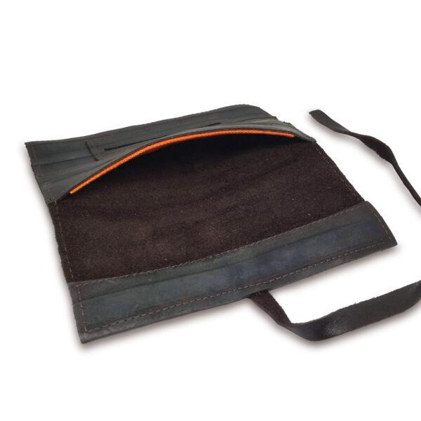 Portatabacco Compatto in pelle e camoscio nero con dettagli arancio