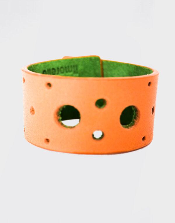 Bracciale con fori verde e arancio