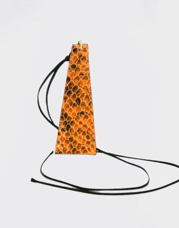Collana piramide alta arancio e nero