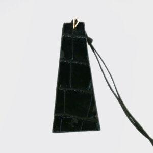 Collana piramide lunga nera